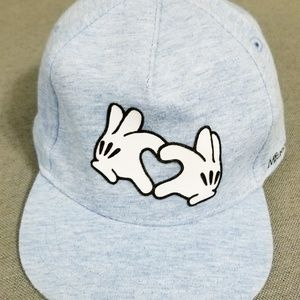 🎯NEW w/o tags Mickey Mouse Heart Hand Ball cap